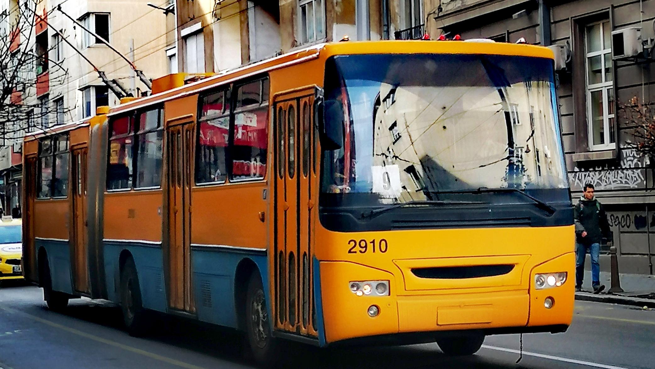 София: Падна блокадата при СУ, възстановяват маршрути на МГТ